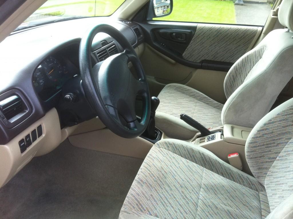 1998 Subaru Forester Interior