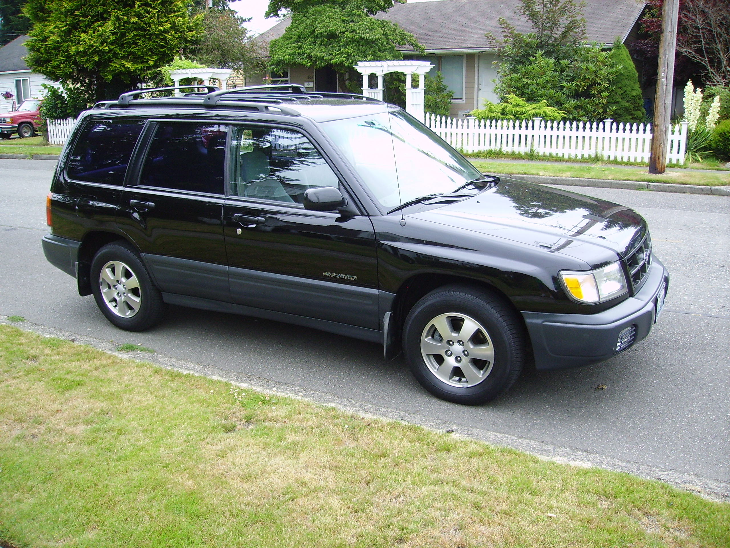 2000 subaru forester l awd auto sales. Black Bedroom Furniture Sets. Home Design Ideas