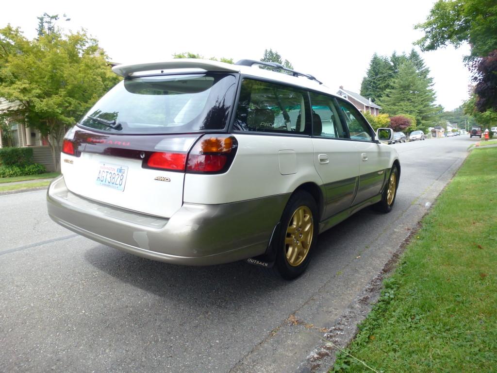 2001 Subaru Outback LL Bean White